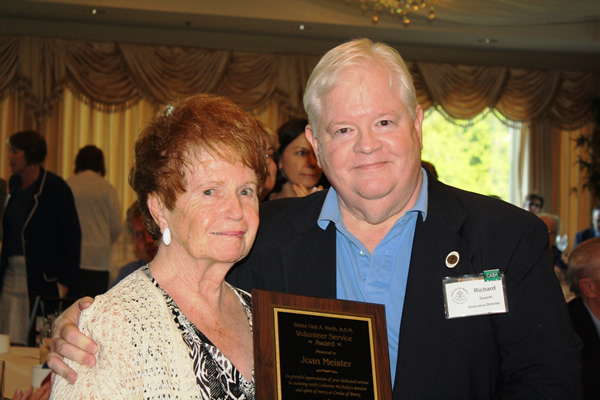 2018 Circles of Mercy Honors Local Senior Volunteer with Award